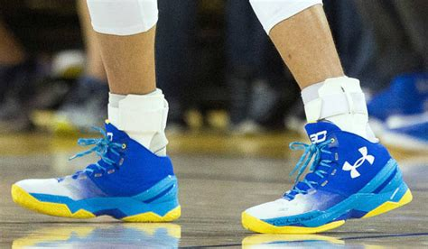 Sepatu Basket Armour Stephen Curry 3 Dub Nation Mid White Blue