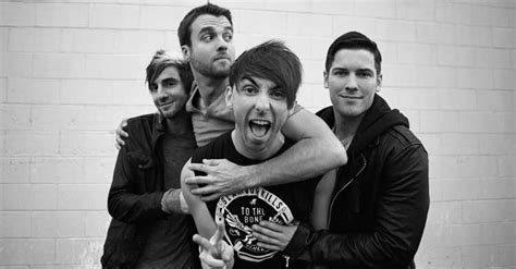 a for all time 2015 set it s carson sings onstage with all time low