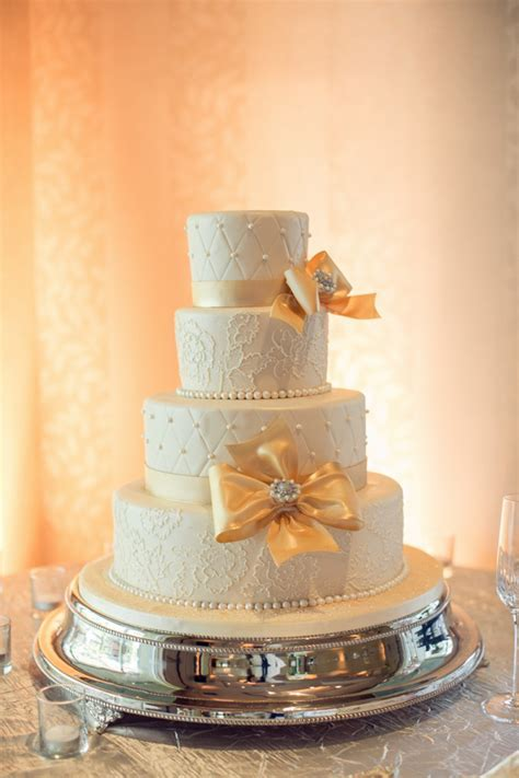 Silver Plated Wedding Cake Stand 18inch   Helen G Events
