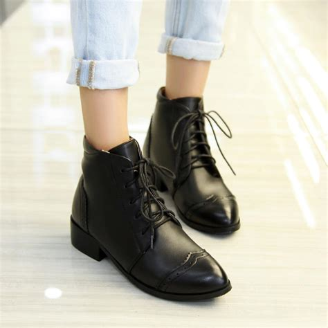 black lace up boots no heel is heel