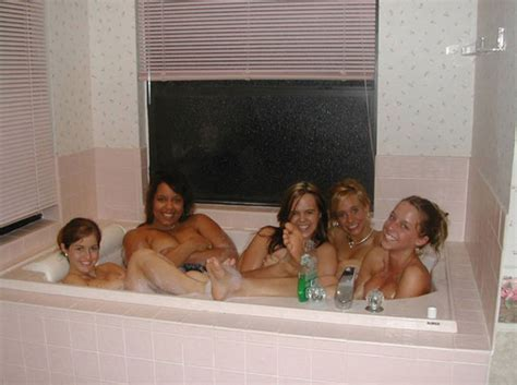 In The Bathtub by 10 Most Chilling Photobombs On