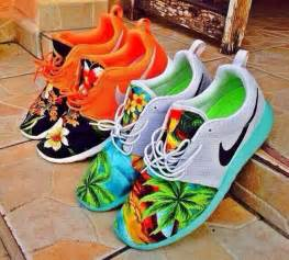 nike hawaiian print shoes shoes nike nike roshe run tropical womens nike shoes