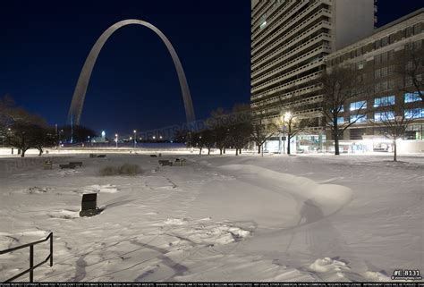 january 2014 style arch gateway arch with a foot of snow and subzero temperatures
