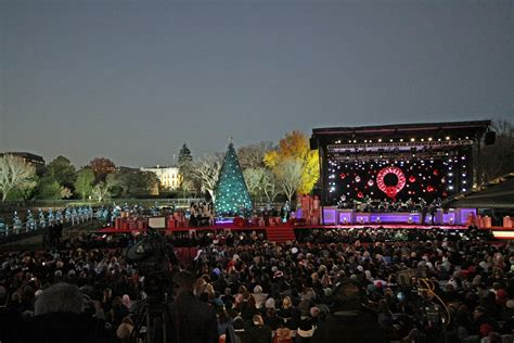 national tree lighting 2016 minority reporter the obamas last in the white