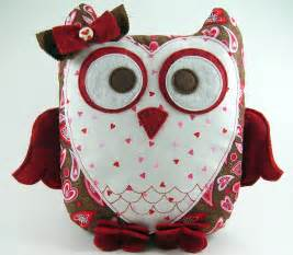 sweetheart owl pillow pattern plush by sundaygirldesigns