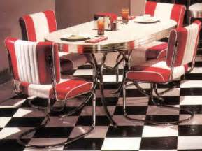 Retro Style Kitchen Table And Chairs Diner Furniture