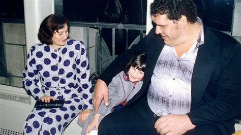 paul wight bench press stephanie mcmahon and andre the giant wwe superstars