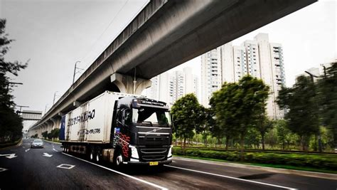 volvo trucks china volvo fh driving in shanghai
