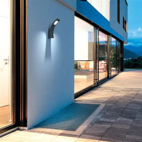 applique da esterno a led lade da esterno applique e paletti da giardino