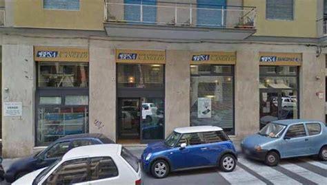 banca popolare sant angelo catania catania finanziere sventa rapina in banca