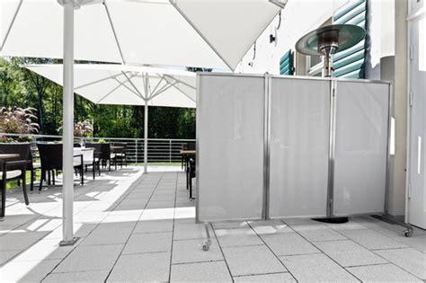 windschutz terrasse mit edelstahlparavent sonnensegel