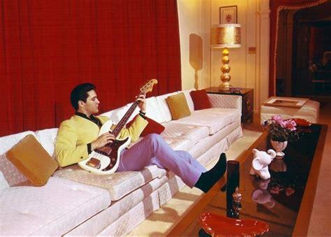 who sings white room elvis 1960s fender precision bass