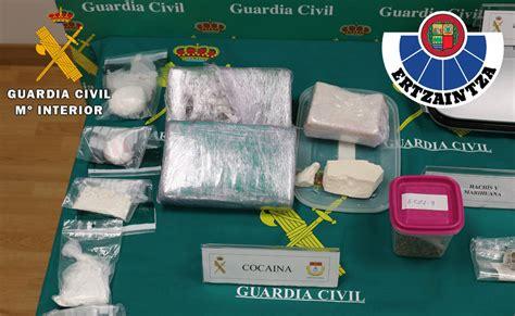 vasco cocaina desarticulada una banda dedicada al tr 225 fico de drogas en