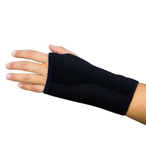 best wrist splint for carpal tunnel the best wrist braces carpal tunnel sufferers need
