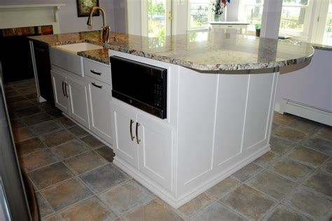 Bianco Antico Granite With White Cabinets by Maple Marshmallow Cabinets Bianco Antico Granite