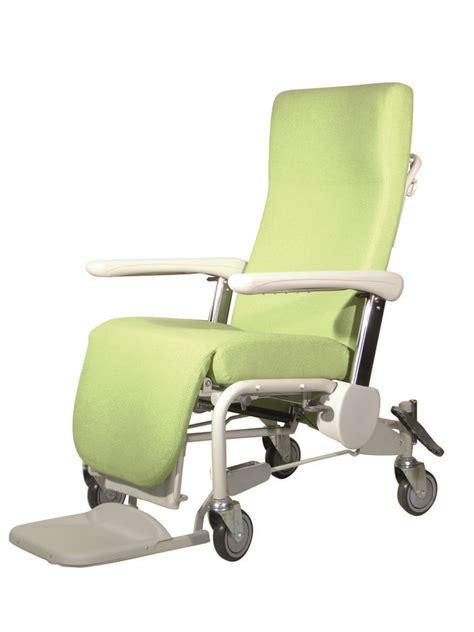 fauteuil de repos sur roues hemo accoudoirs r 233 glables dossier inclinable avec