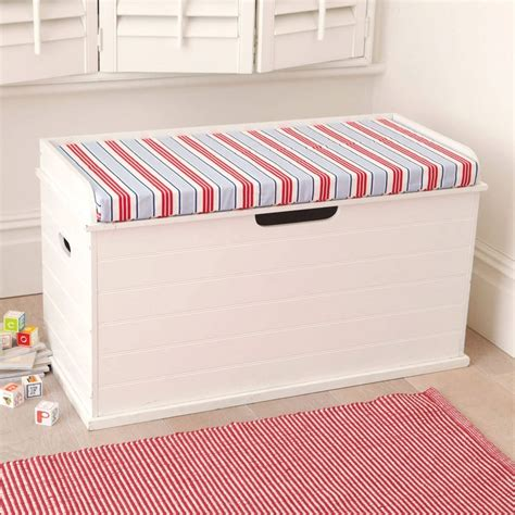 Ideas For Storage Chest Seat Design Box Seat Deckchair Blue Cushion A Box Your Can Sit On How Cool Is That A