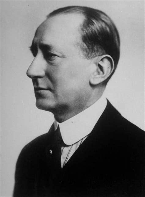marconi biography in english file guglielmo marconi 1920 perfil jpg wikimedia commons
