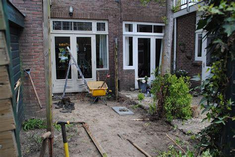 schuur leegruimen keramische tegels aanleg strakke tuin in utrecht