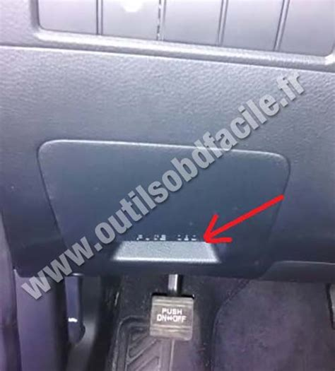 on board diagnostic system 2010 hyundai tucson instrument cluster obd2 connector location in hyundai santa fe 3 phase 1 2013 2015 outils obd facile