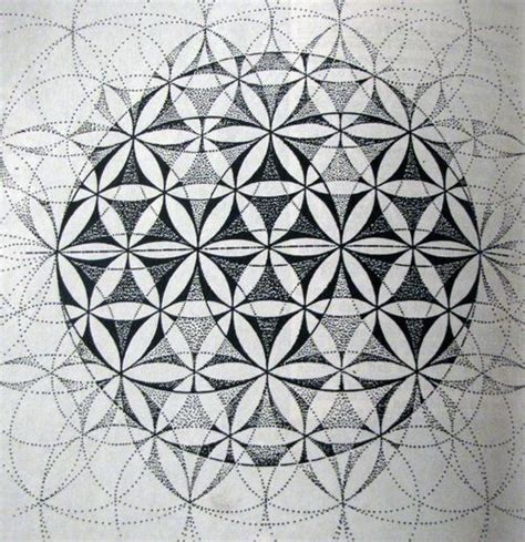 geometric tattoo vorlagen 965 best sacred geometry images on pinterest