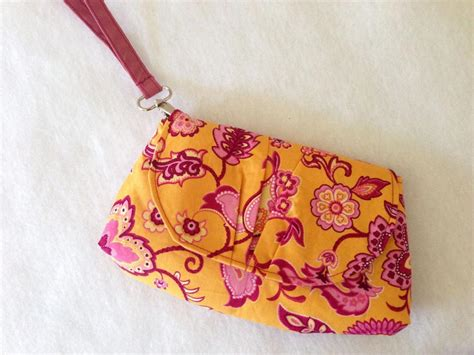 free sewing pattern zippered clutch 5 wristlet patterns to sew today on craftsy