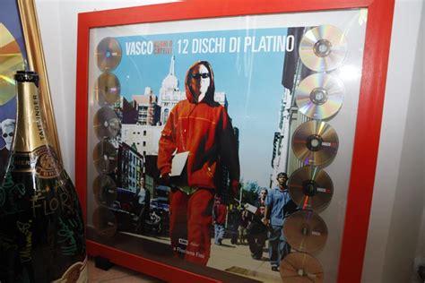 la vita di vasco 187 vasco la vita la politica la musica