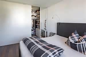 begehbarer kleiderschrank im schlafzimmer kleiderschrank aufundzu