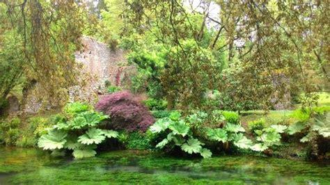 giardini di ninfa immagini giardini di ninfa aprile 2016 foto di giardino di ninfa
