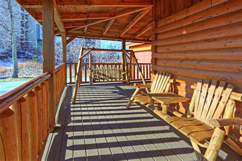 Pauls Cabin by One Level Cabin Gatlinburg Tn One Story Cabin Gatlinburg