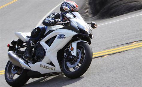 Suzuki Motorcycle Recall by Suzuki Recalls 68 344 Motorcycles For Battery Charging