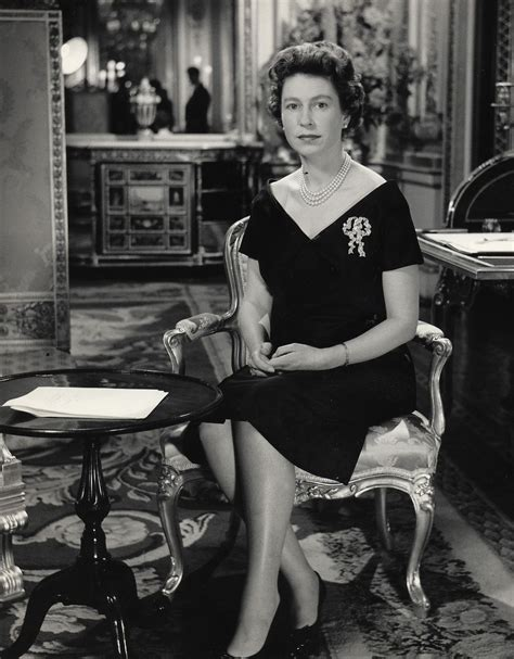 maria callas queen elizabeth christmas with the queen 19601960 saw the wedding of her