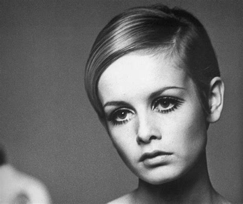 twiggy hairstyle twiggy hair icon mod hairstyles zimbio