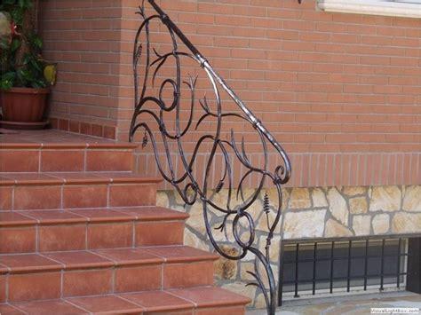 ringhiera in ferro battuto per esterno ringhiere in ferro battuto scale e ascensori ringhiere