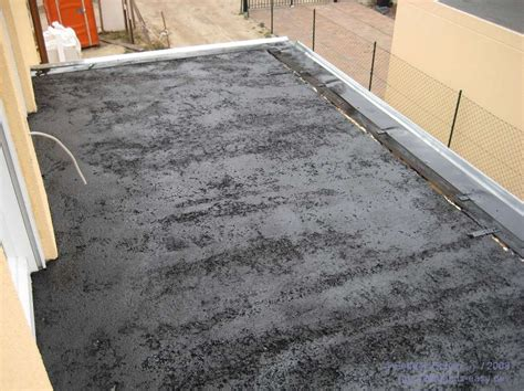 vordach abdichten balkon abdichten bitumen qi43 hitoiro