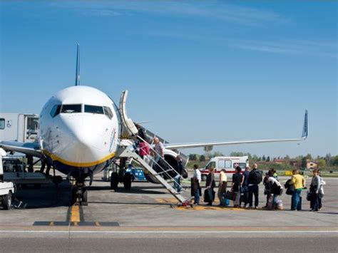 cara naik pesawat citilink di halim cara naik pesawat terbang bagi pemula satu jam
