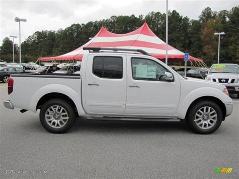 white nissan frontier avalanche white 2011 nissan frontier sl crew cab exterior