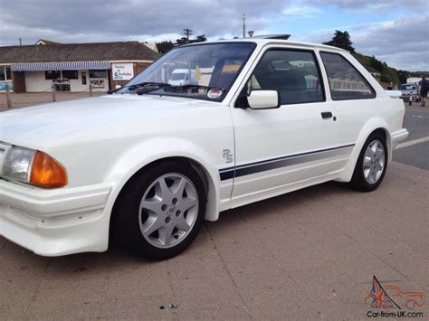 ford escort rs turbo white
