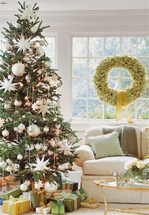 simple decoration ideas 25 simple christmas decorating ideas