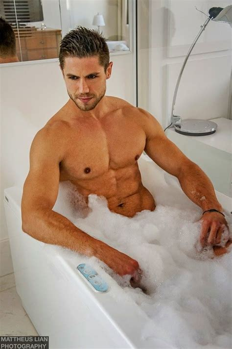 guys in bathtubs 93 best manscapes images on pinterest attractive men