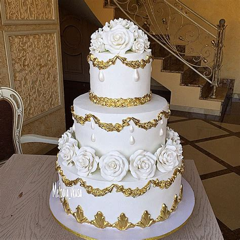 Traditional Wedding Cakes by Traditional White And Gold Wedding Cake Wedding Cakes