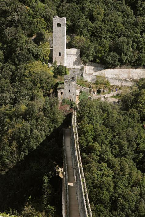 di spoleto ponte delle torri di spoleto www umbriatourism it