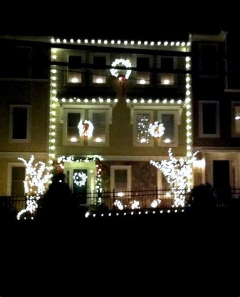 holiday lighting installation on townhouse in occoquan