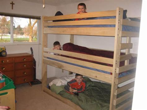 shipping triple bunk bed built  plans  bunk