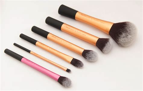 beauty review real techniques make up brushes the red style real technique makeup brushes review style guru fashion