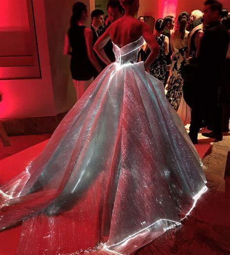 claire danes zac posen gown glowing dress turns claire danes into cinderella at the