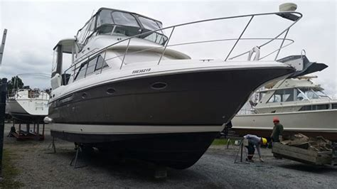 motor boats for sale hamilton 2003 cruisers yachts 3750 motor yacht boat for sale 2003