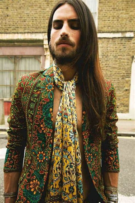mens hippie hairstyles 38 best images about hip hip hippies on pinterest boho