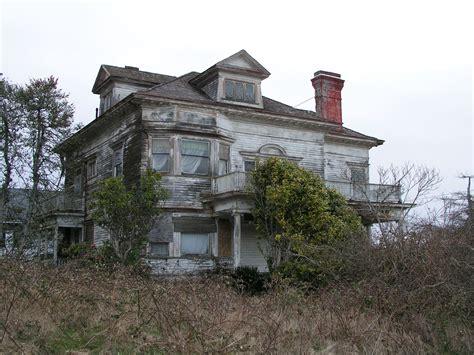 sassy vintage abandoned houses