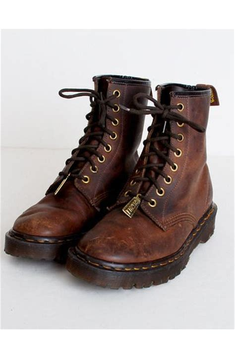 Dr Martin Brown 25 best ideas about dr martens boots on docs